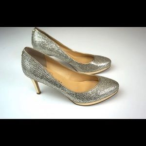 Ivanka trump closed toe metallicy gold heels